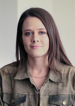 Headshot of Liz Camuti